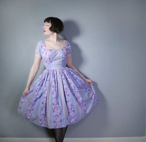 ROMANTIC 50s BLUE-GREY FLORAL AND TROMP L'OEIL LACING PRINT DRESS - M