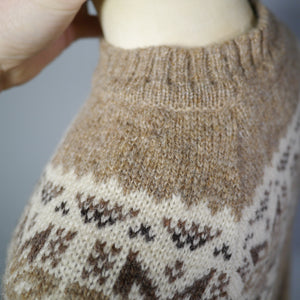 BROWN FAIRISLE 70s DOES 40s CAMERON OF EDINBURGH WOOL JUMPER / SWEATER - M