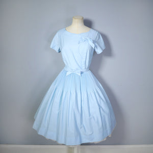 50s 60s LIGHT BLUE FULL SKIRTED DRESS WITH PLEAT AND BOW DETAILS - S-M