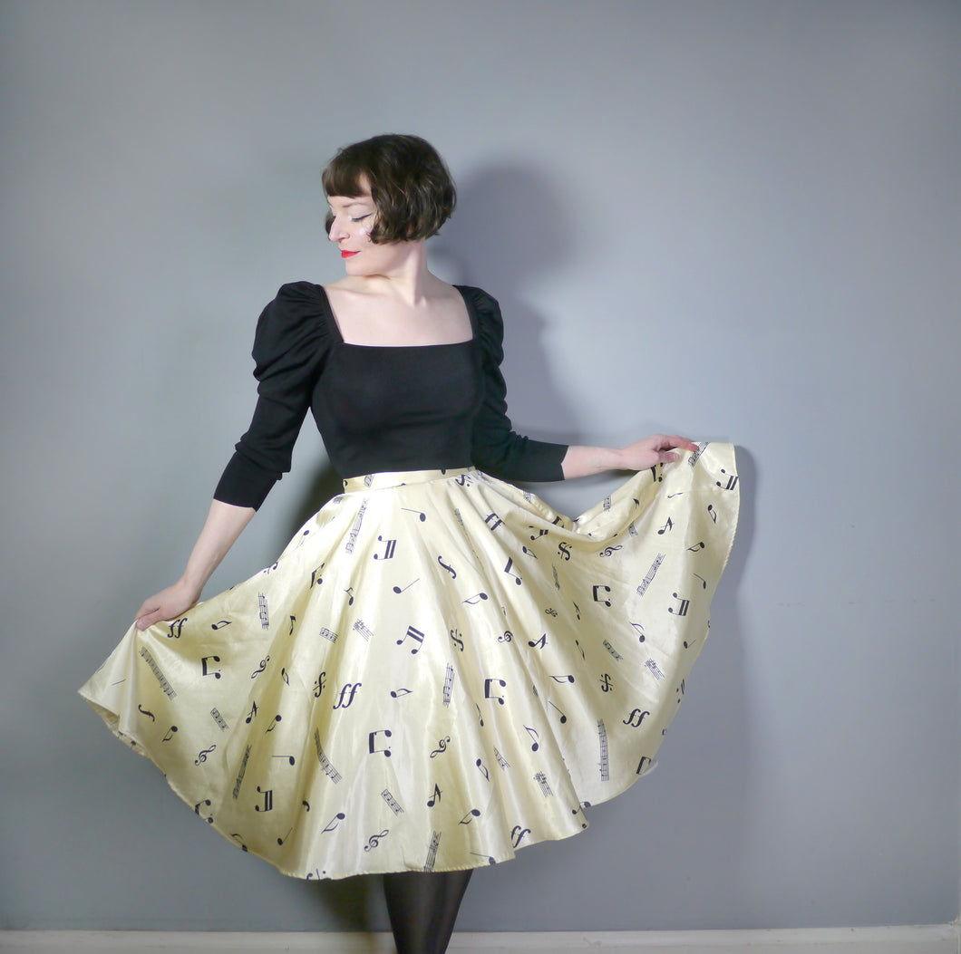 70s / 80s does 50s NOVELTY MUSICAL NOTES PRINT FULL CIRCLE SKIRT - 28.5