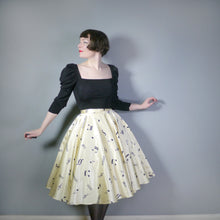 Load image into Gallery viewer, 70s / 80s does 50s NOVELTY MUSICAL NOTES PRINT FULL CIRCLE SKIRT - 28.5""