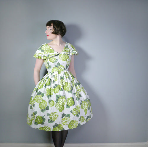 50s LINZI LINE SPRING GREEN FLORAL DRESS WITH BIG RUFFLE COLLAR - S-M