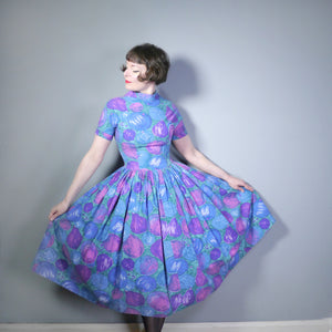 50s PAINTERLY NOVELTY FRUIT PRINT PURPLE AND BLUE FULL SKIRT DRESS - S