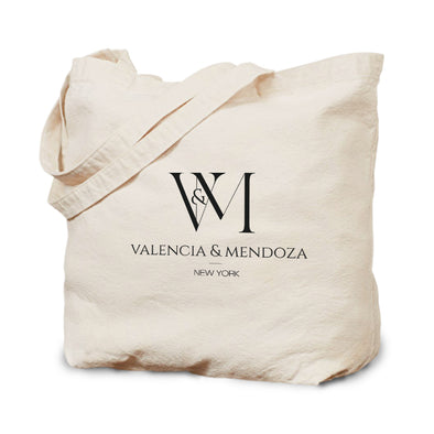 Betty en NY Valencia & Mendoza Stacked Logo Tote-Shop Telemundo
