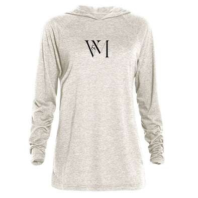 Betty en NY V&M Logo Tri-blend Raglan Hoodie-Shop Telemundo