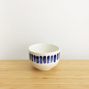 Round Bowl with Ring, small, thick blue lines