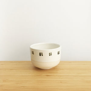 Round Bowl with Ring, small, double thin dashes