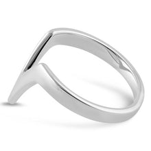 Load image into Gallery viewer, Sterling Silver V Ring