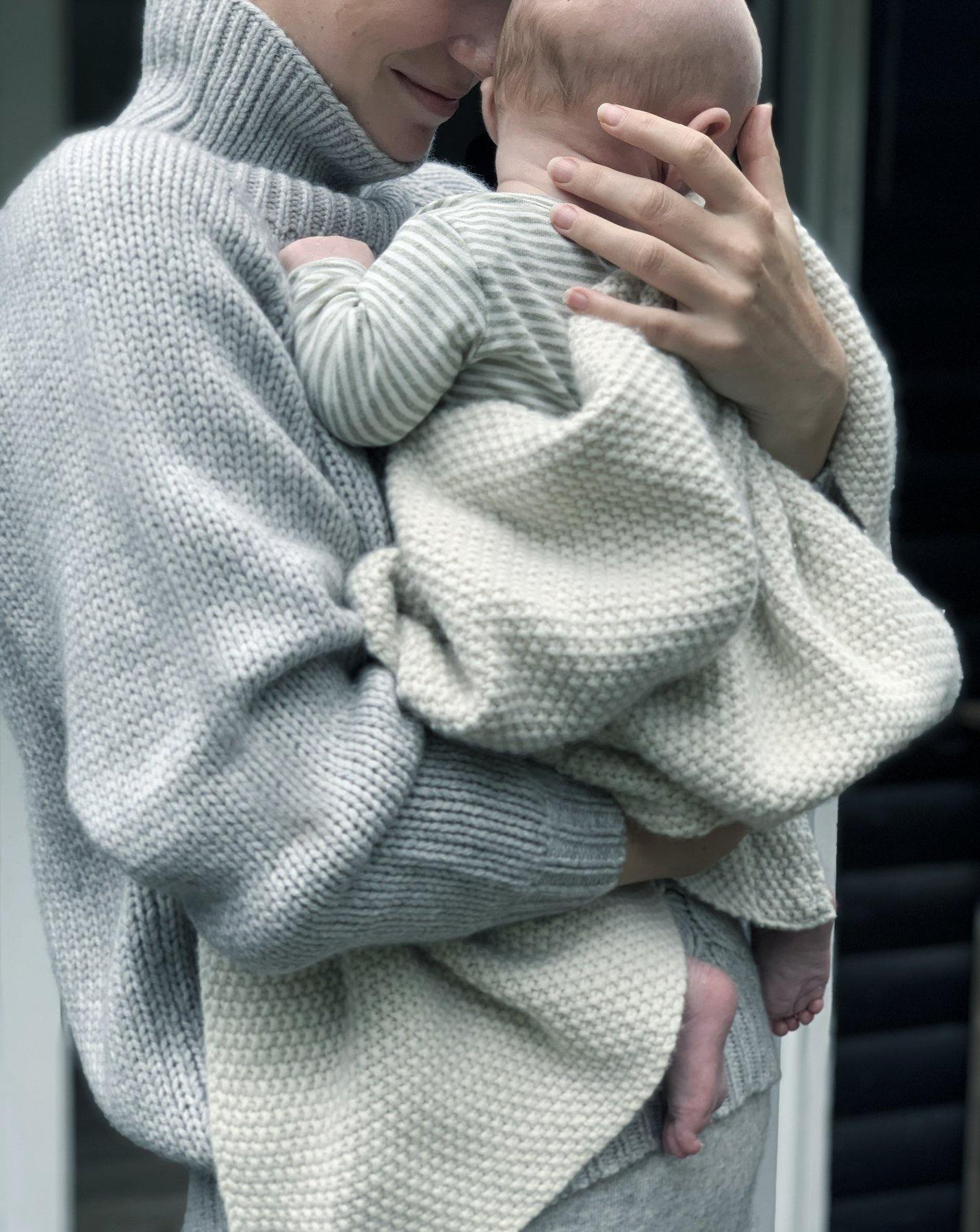 Freja Baby Throw