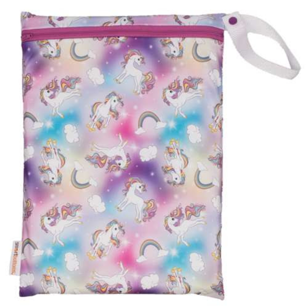Smart bottoms medium mesh wetbag for Cloth nappies chasing rainbows