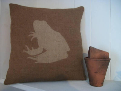 ' Rustic Frog ' Cushion (Chestnut Brown)