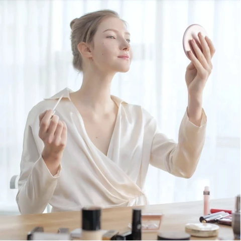 Image of WIRELESS MAKEUP MIRROR™