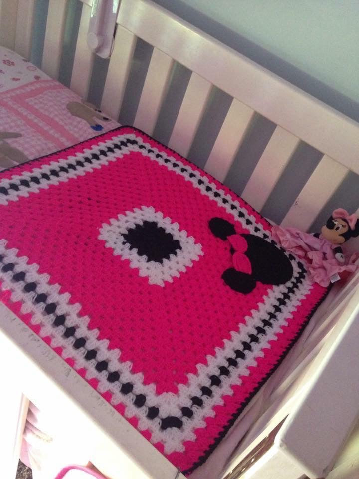 Minnie/Mickey Mouse Crochet Blanket