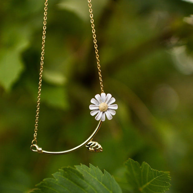 Daisy Gold Bar Necklace Jewelry Lands