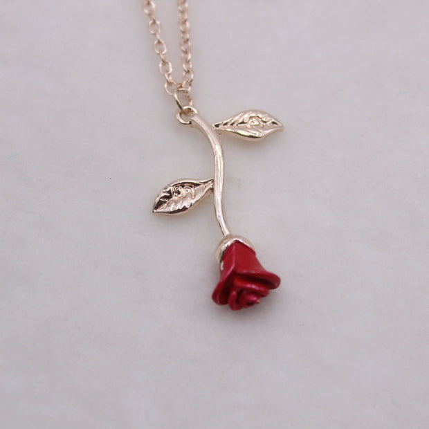 Rose Pendant Necklace Lands