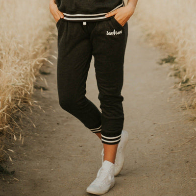 Simple White Badge Varsity Joggers 8654 Lands Black S