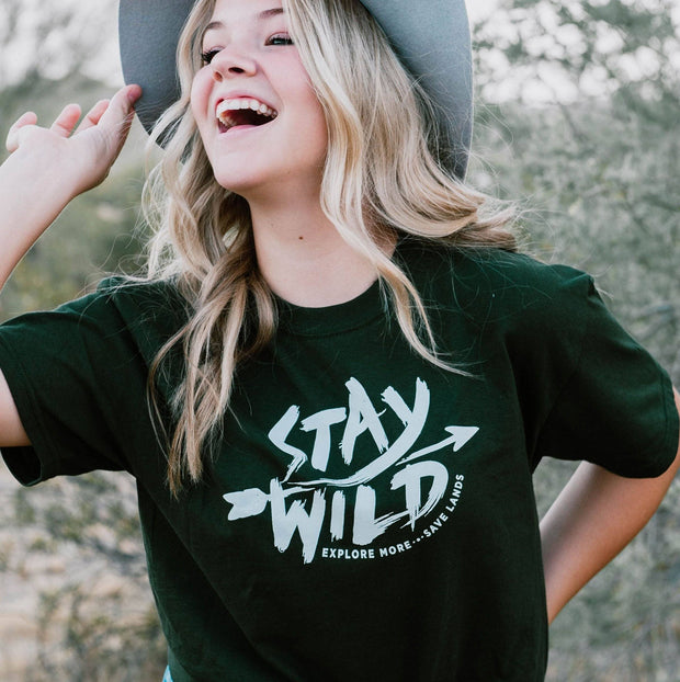 Stay Wild Tee 5000 Lands Forest Green S