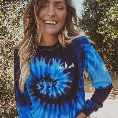 Simple White Badge Ocean Tie Dye Long Sleeve 2000 BLUE OCEAN Lands S