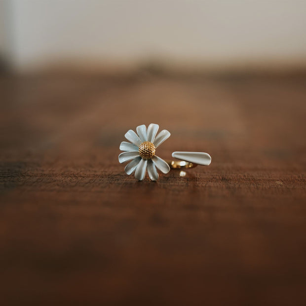 Daisy Ring Jewelry Lands