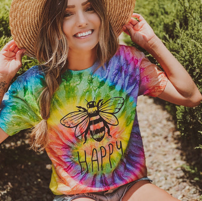 Bee Happy Saturn Tie Dye Tee 1000 SATURN Lands S