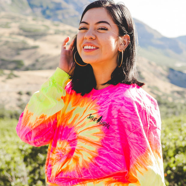Simple Black Logo Fluorescent Swirl Tie Dye Long Sleeve 2000 FLUORESCENT SWIRL Lands