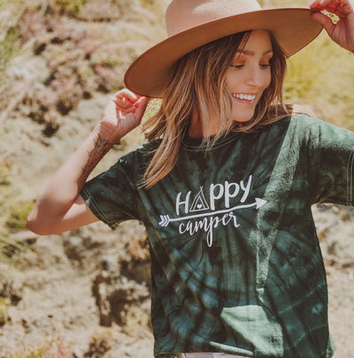 Happy Camper Arrow Green Tie Dye Tee 1000 GREEN SPIDER Lands S