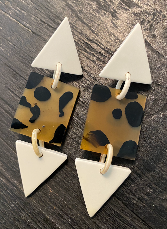 White Point Earrings