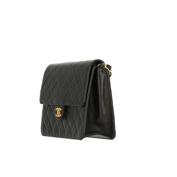 Chanel Black Lambskin Leather Push-lock Single Flap GHW Shoulder Bag