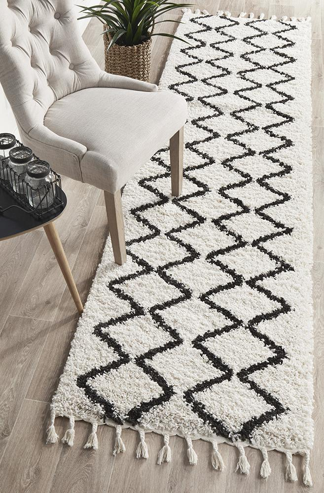 Diamond Pattern White Runner Rug