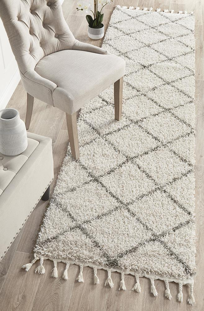 Diamond Pattern Natural Runner Rug