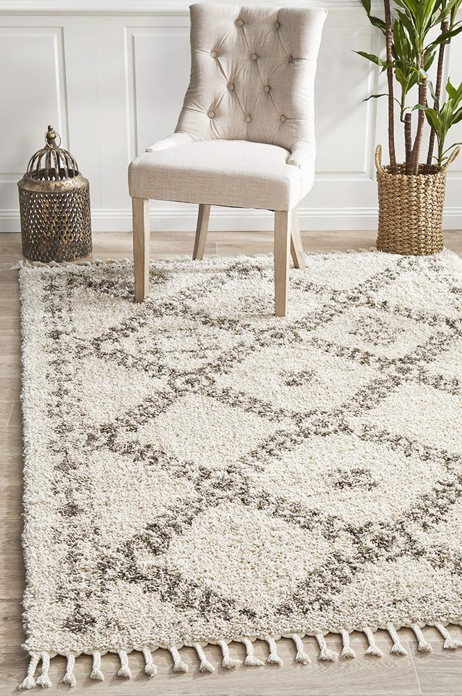 Diamond Pattern Natural Rug