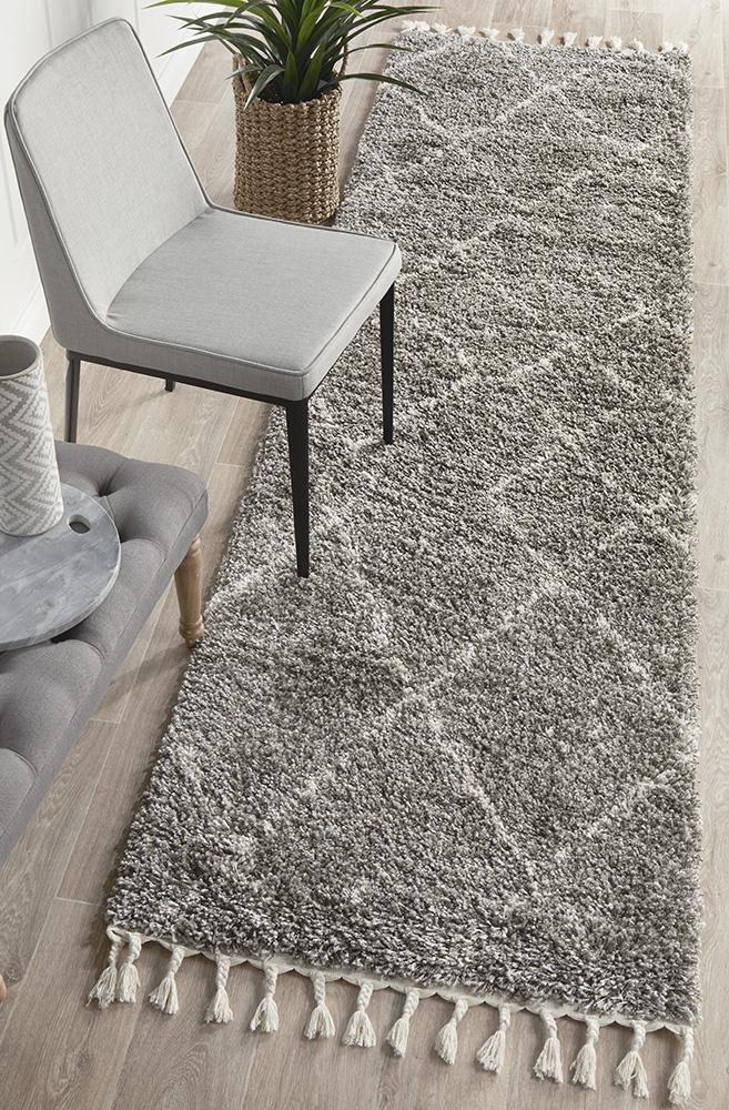 Diamond Pattern Grey Runner Rug