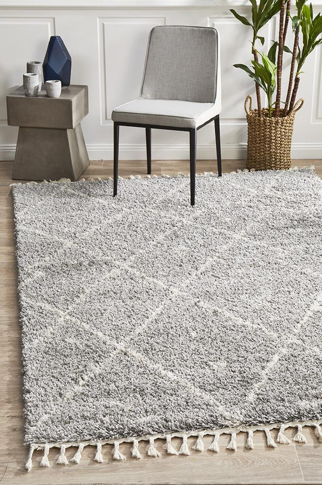 Diamond Pattern Silver Rug