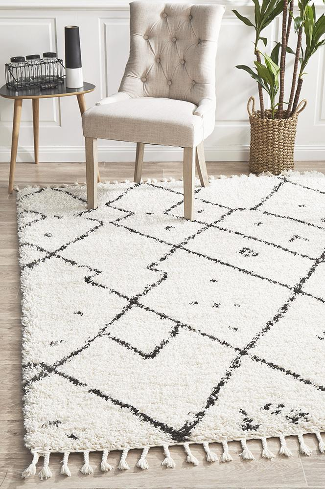 Diamond Pattern White Rug