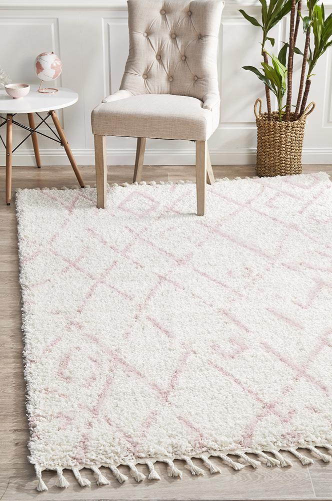 Diamond Pattern Pink Rug