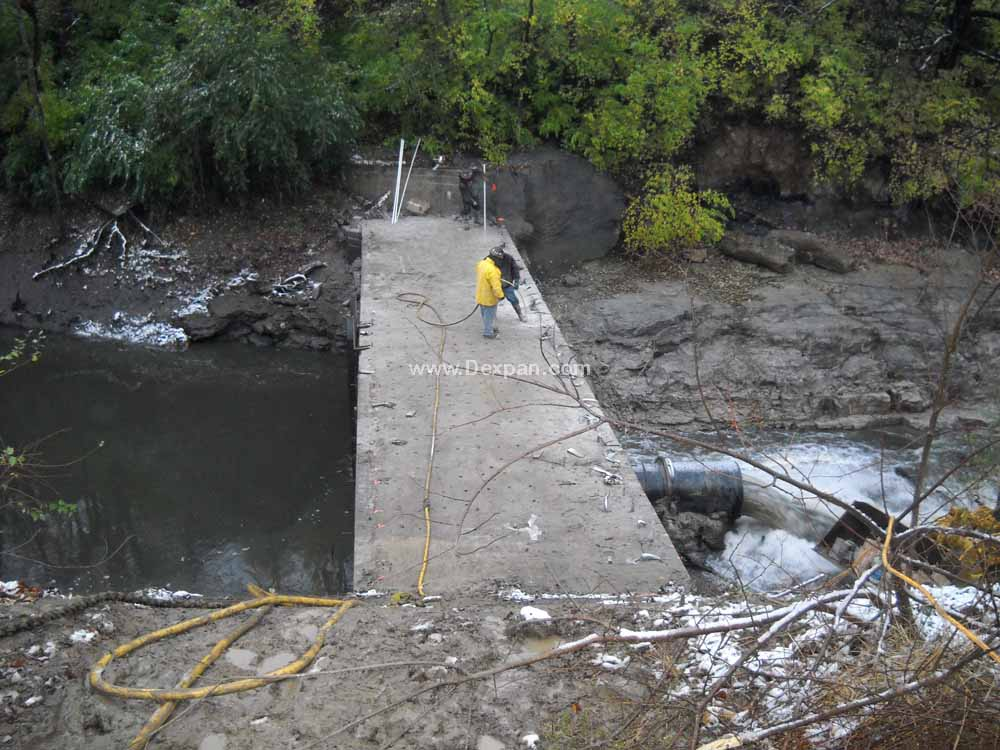 Concrete Demolition of Water Dam, Concrete Cutting | Dexpan Project C002