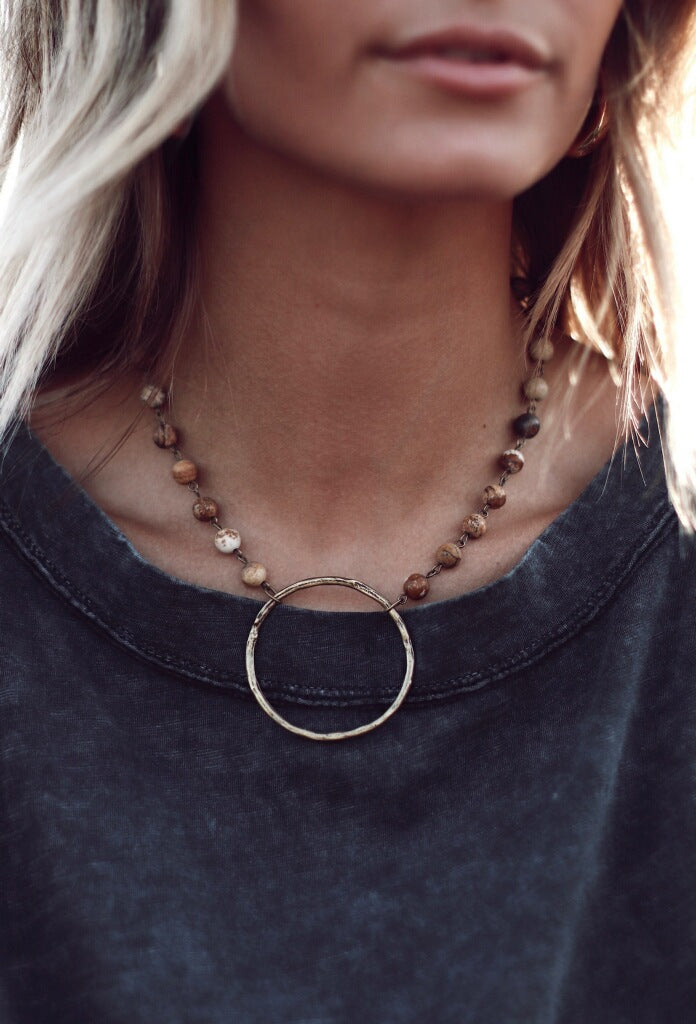 Full Circle Stone Stunner Necklace