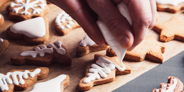 How to Decorate the Gingerbread Cookies