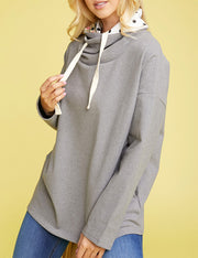 CONTRAST LINED LOOSE TURTLE NECK SWEATSHIRT WITH STRING AND SIDE POCKET