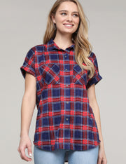 Womens roll up short sleeve loose fitting shirt with check 2 pockets.