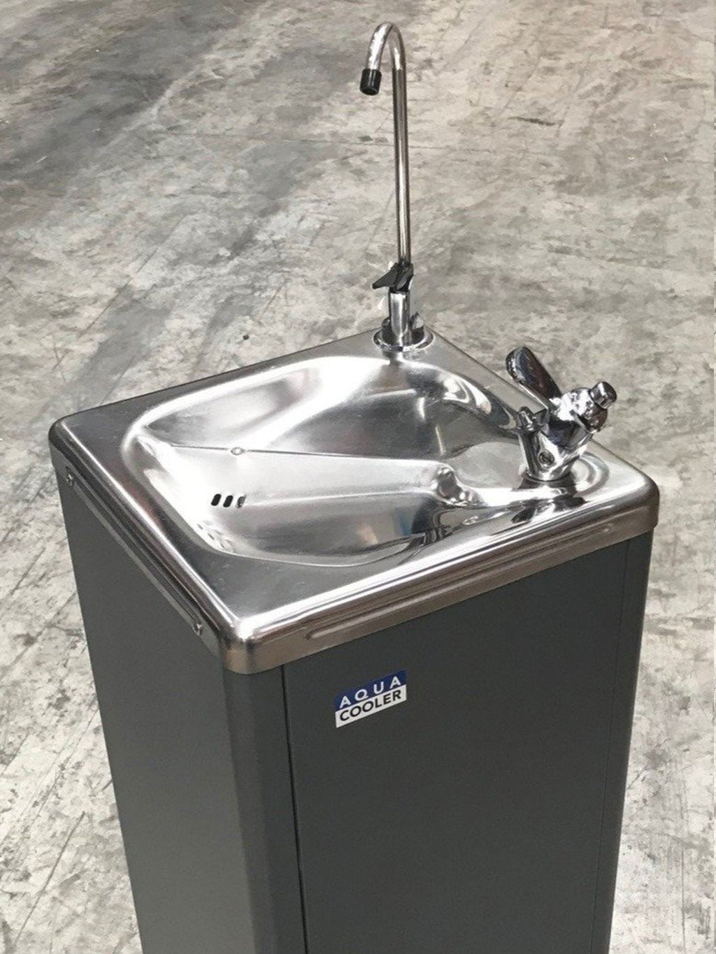 Factory Seconds Drinking Fountain M5F Series 19L/h - SN: 1901000004