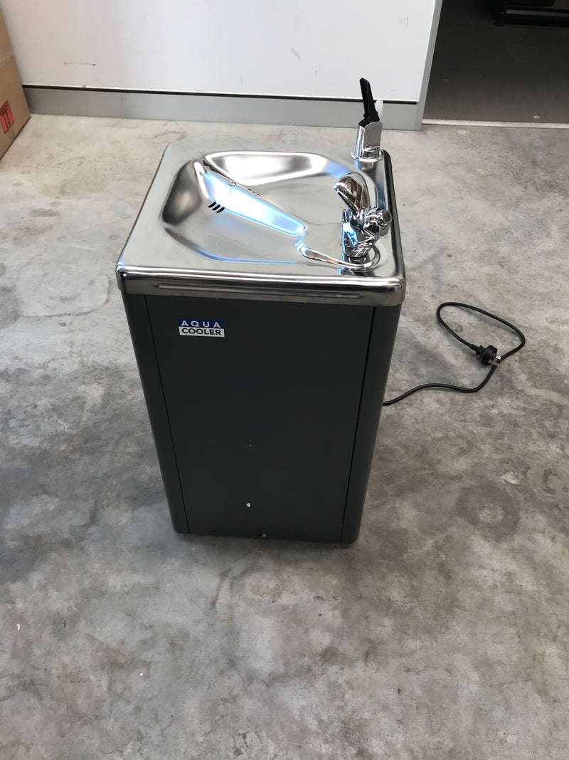 Factory Seconds Drinking Fountain WM5 Series 19L/h - SN:1904000008