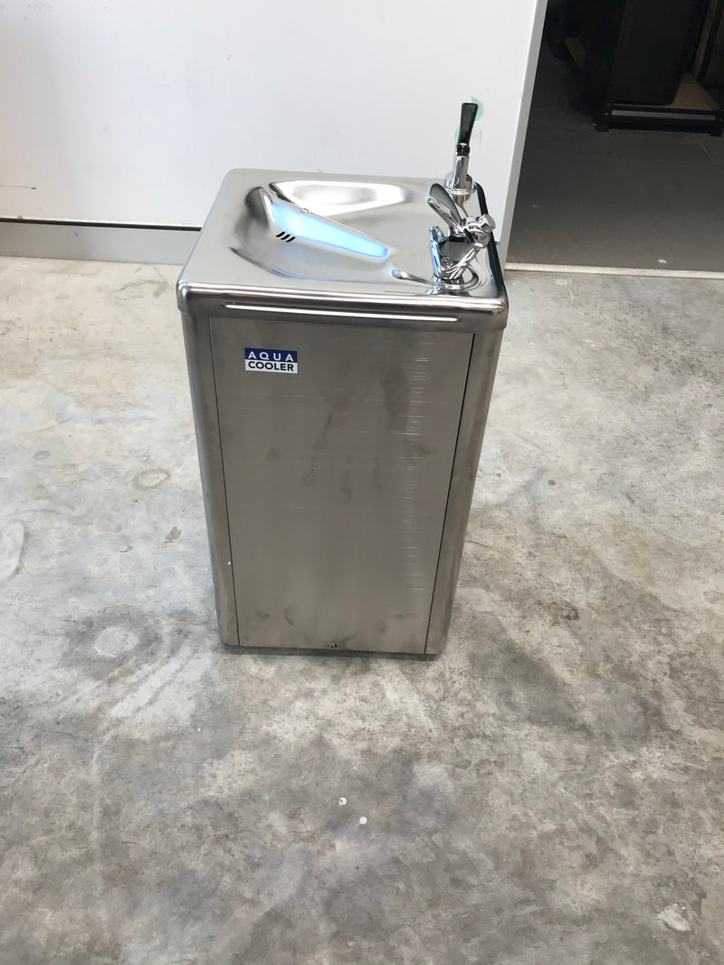 Factory Seconds Drinking Fountain WM5SS Series 19L/h - SN:1812000003