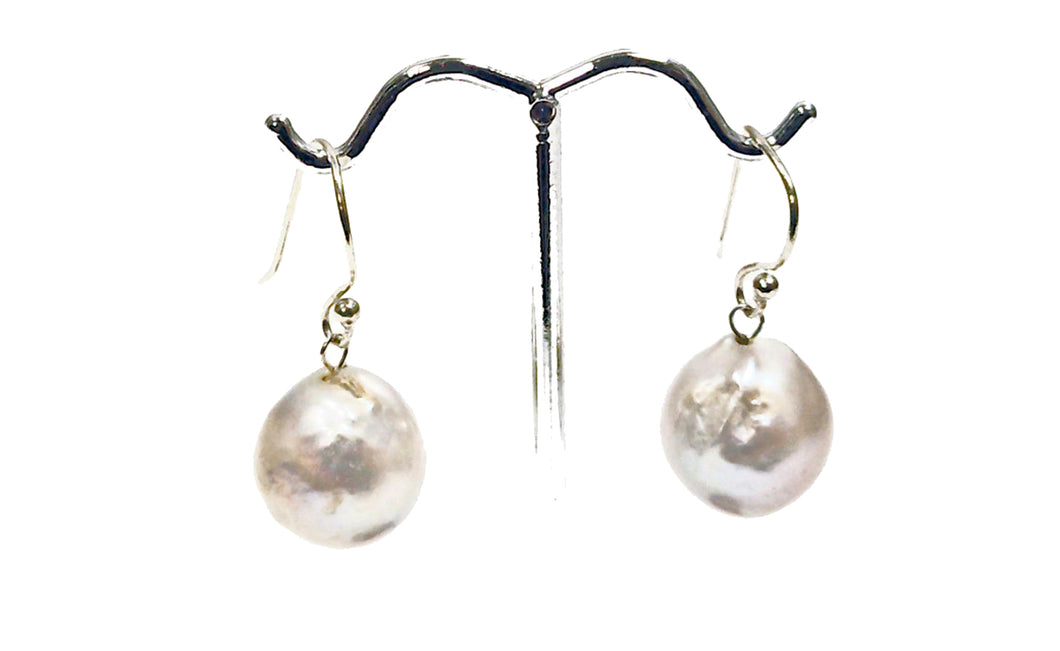Large 15mm baroque pearl earring