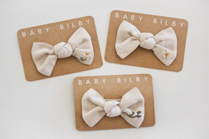 Petite Embroidered Bow | Gardenia