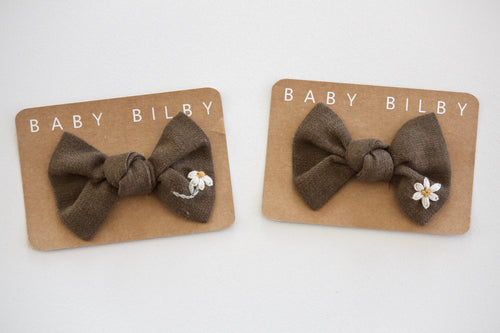 Petite Embroidered Bow | Olive