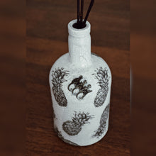 Load image into Gallery viewer, Monkey Shoulder, Colonial Style, Upcycle Glass Bottle