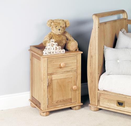 Daisy Oak Bedside Cabinet (one door one drawer)