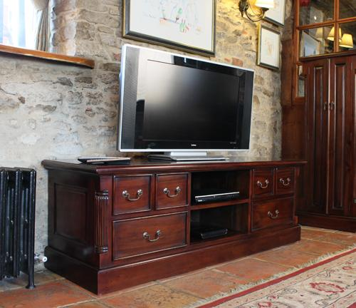 Majestic Mahogany Widescreen Television Cabinet