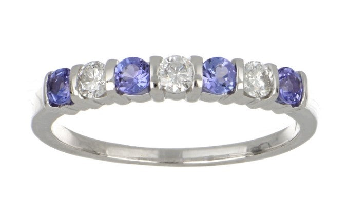 Tanzanite Ladies Ring (Tanzanite 0.32 cts. White Diamond 0.22 cts)